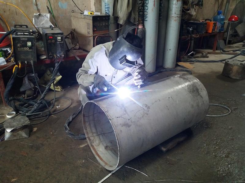 Gia công lốc ống inox